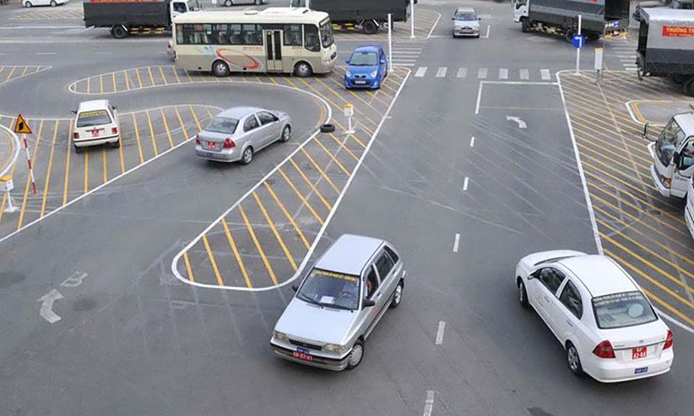 Phần thi thực hành lái xe trong hình