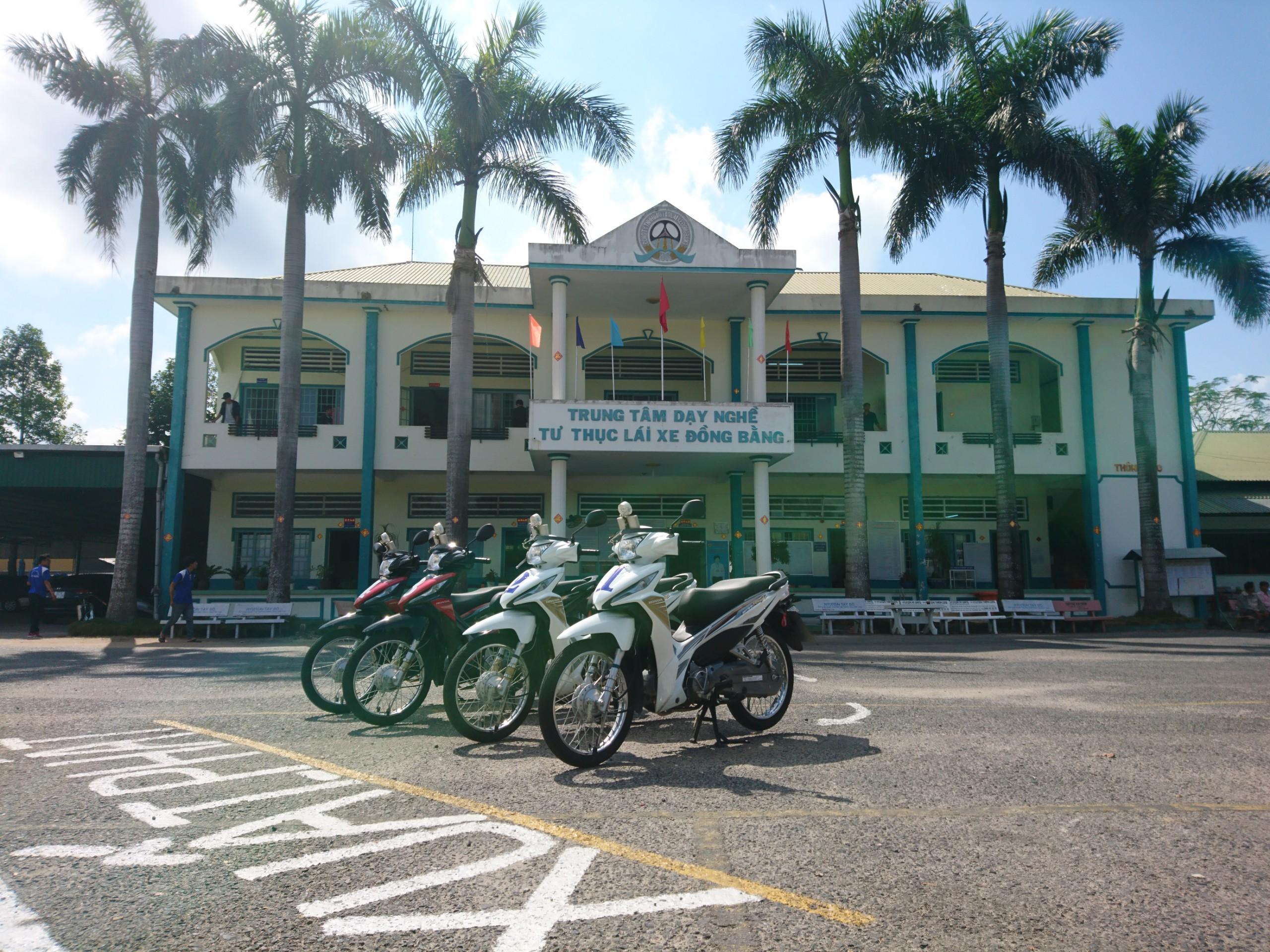 Thủ tục đăng ký thi bằng lái xe máy A1 tại An Giang