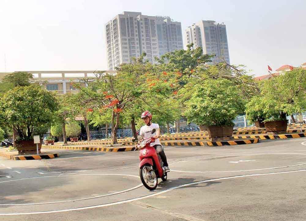 Lịch thi bằng lái xe máy theo quý 2021