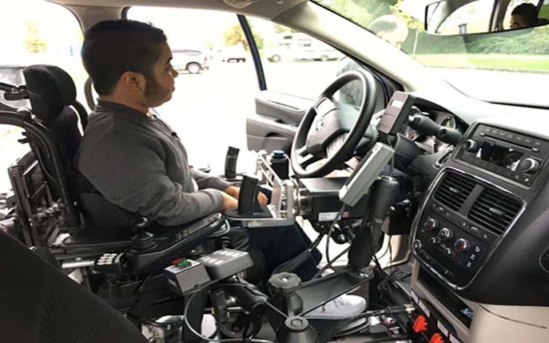 Người khuyết tật có được lái xe ô tô không?
