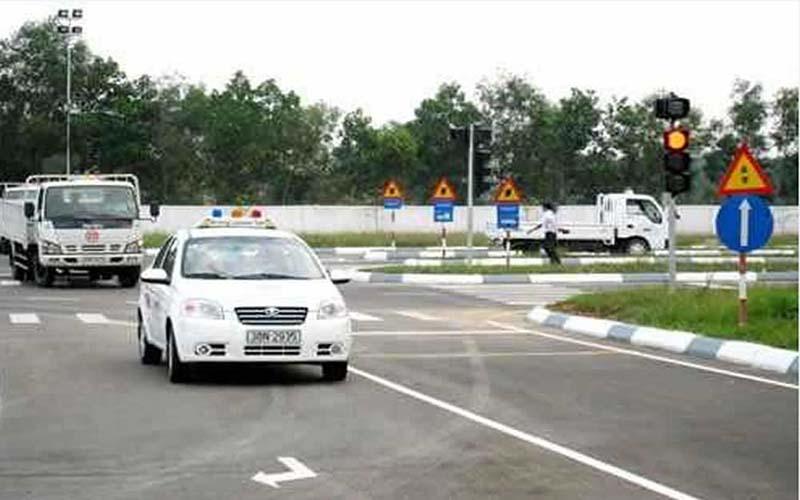 Ưu điểm của Trung tâm học lái xe B1 tại Sài Đồng - Học Lái Xe 12H