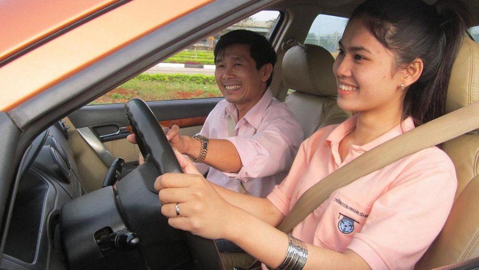 Chương trình đào tạo bằng lái xe B2 tại Học lái xe 12h