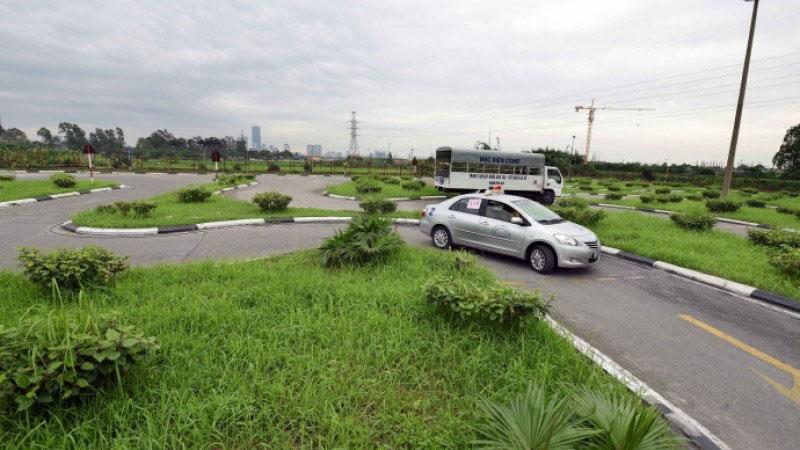 Học thực hành lái xe ô tô hạng B2