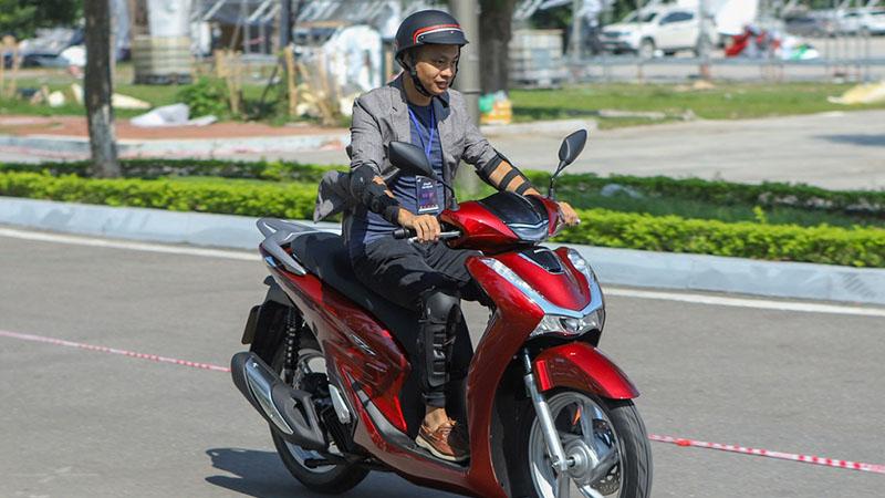 Thi bằng lái xe máy A1 vẫn được đi xe tay ga