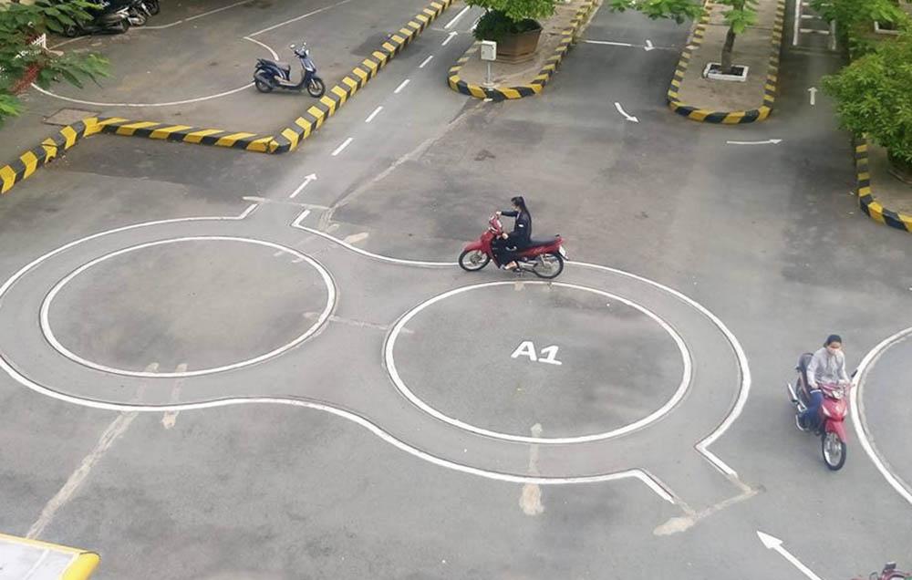 Chọn trung tâm uy tín thi bằng lái xe máy A1 Hà Nội