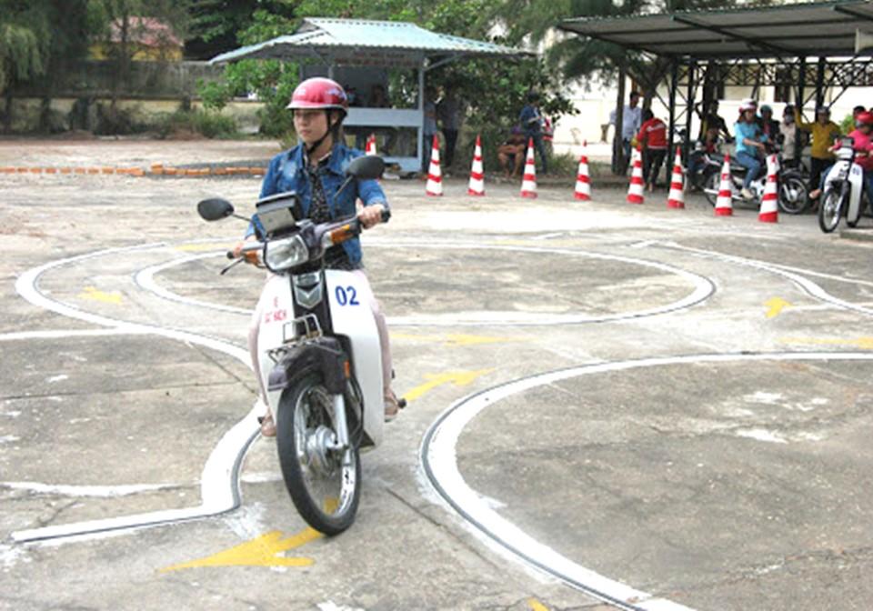 Đăng ký thi bằng lái xe máy A1 tại đường 3/2