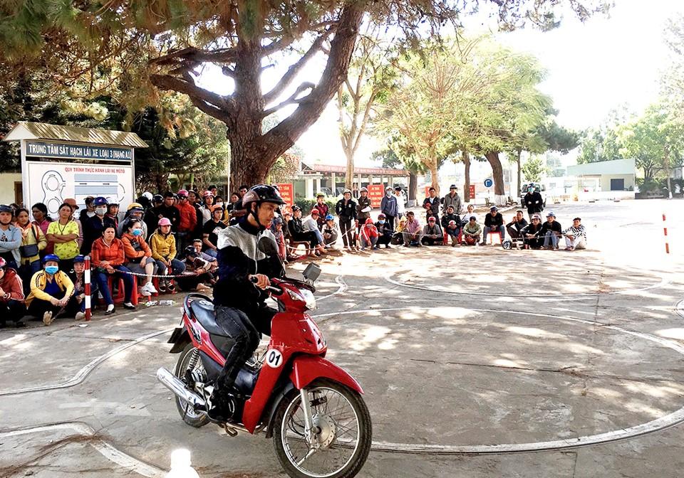 Điều kiện được cấp lại bằng lái xe máy A1