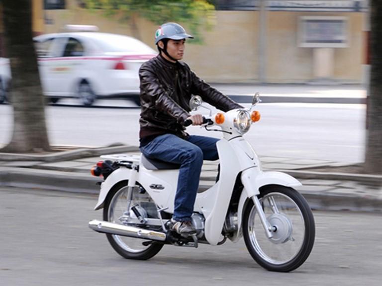 Người đi xe 50cc cần phải có loại bằng lái nào?
