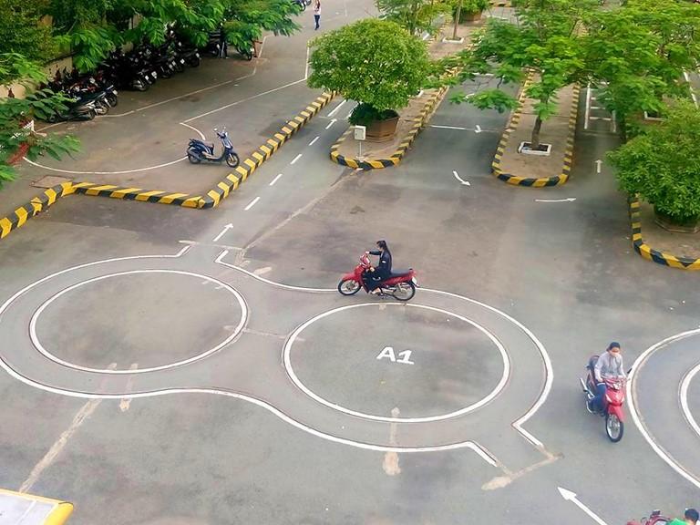 Thi bằng lái xe máy A1 có khó không