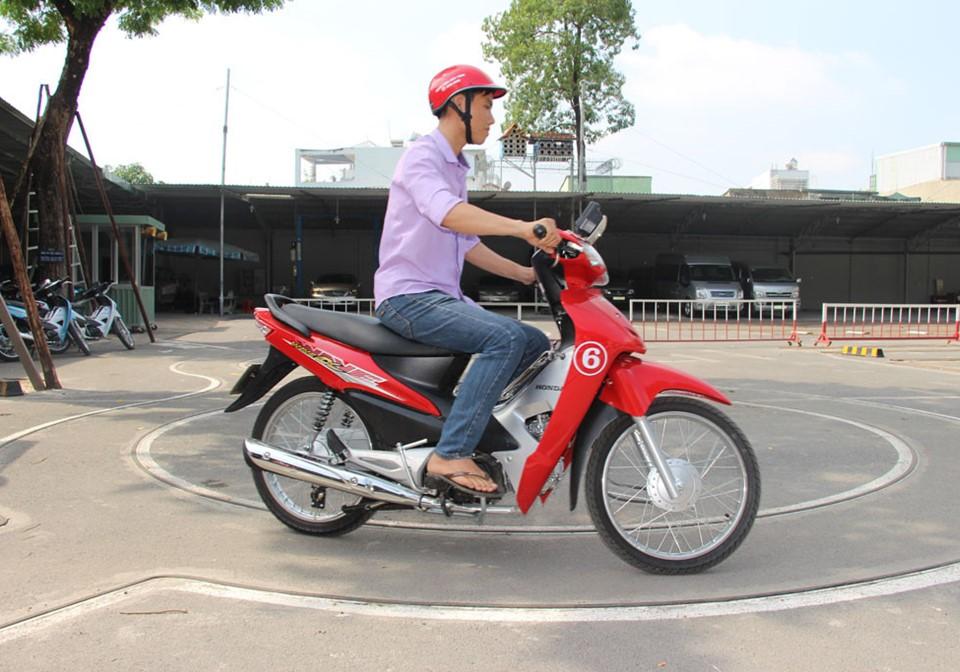 Mẹo ôn thi bằng lái xe máy A1 phần thực hành