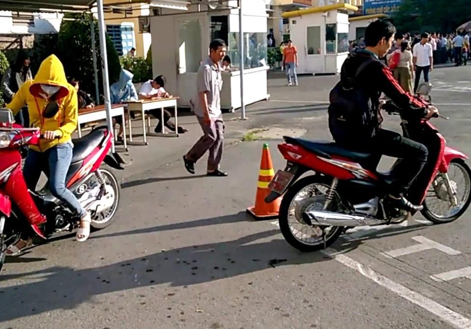 Thi bằng lái xe máy tại đường Lê Quang Định, Bình Thạnh giá tốt