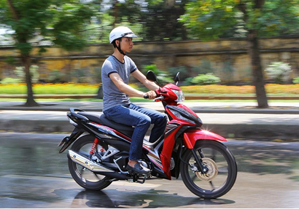 Học bằng lái xe máy tại 66 Phổ Quang