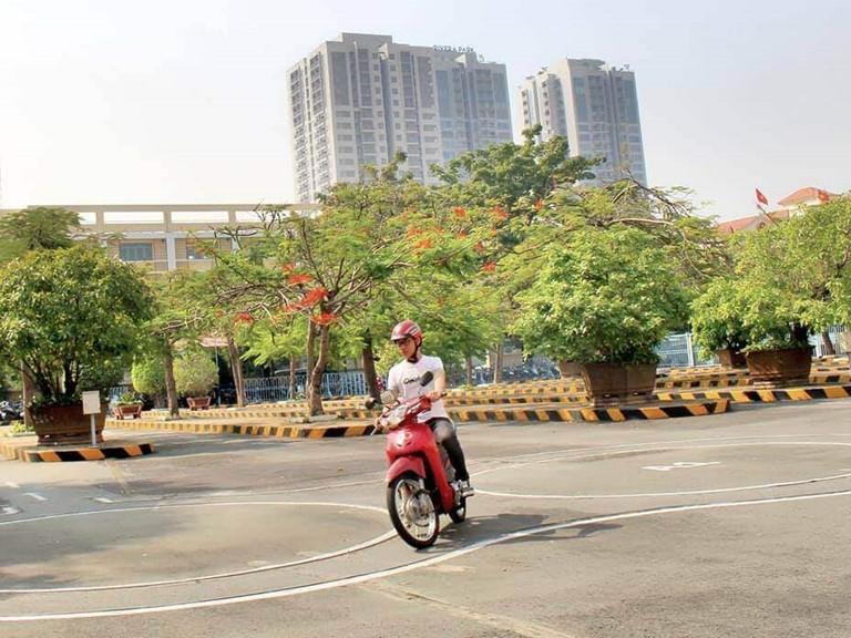 Thi bằng lái xe A1 tại Hậu Giang đậu 100%