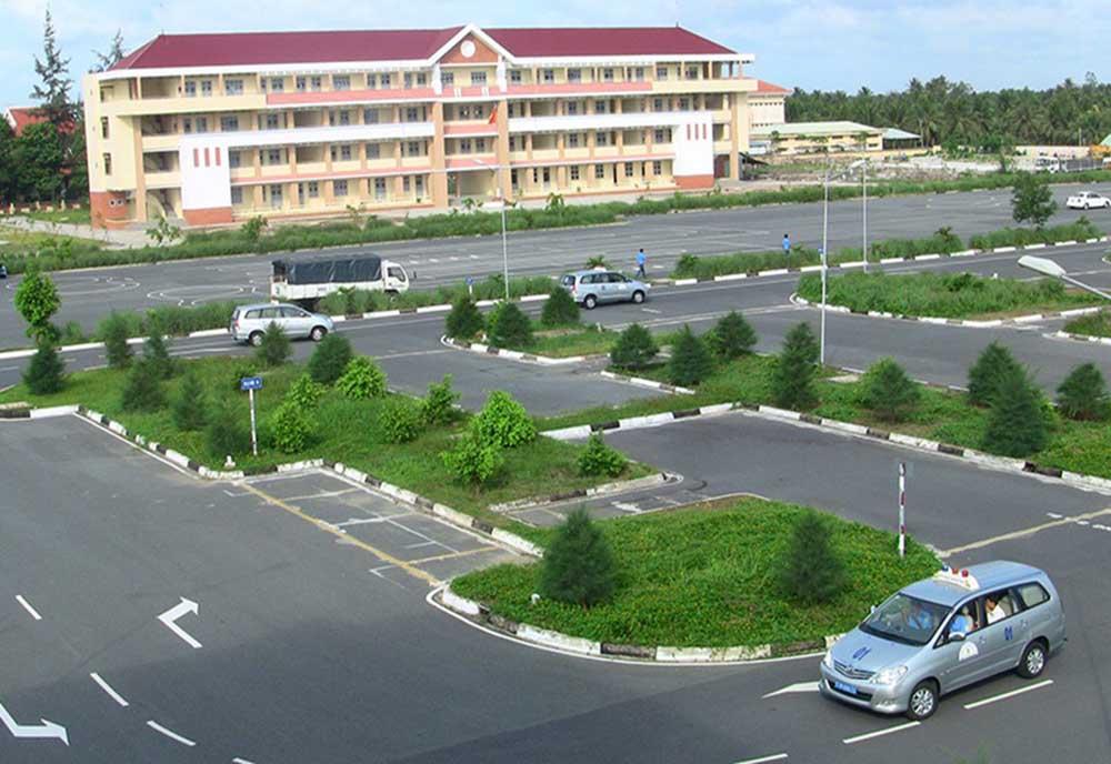Trung tâm Học Lái Xe 12h